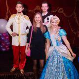 Золушка с Принцем, и Кен